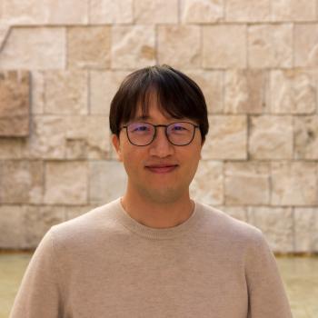 Yongjin Yoo